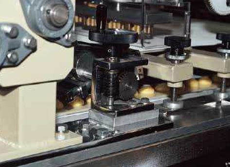 SW Worms and CG Worm Wheels used in a rotating comb device